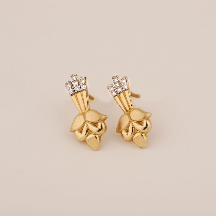 Diamond Earrings 18 Karat Yellow Gold Aastha Diamond Stud Earrings