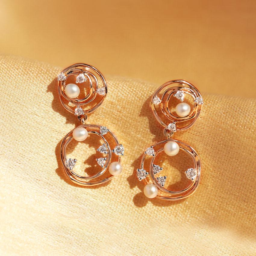 Gem Shells Stud Earrings
