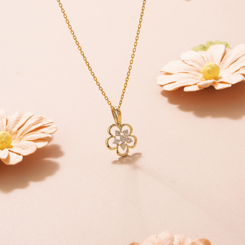 Diamond Pendants 14 Karat Yellow Gold Ivy Bloom Diamond Pendant
