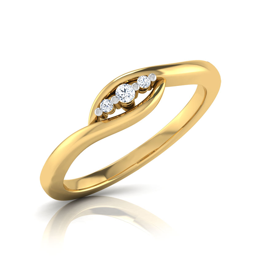 Lucia 3 Stone Ring