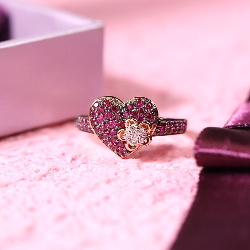 Floret in Heart Ring