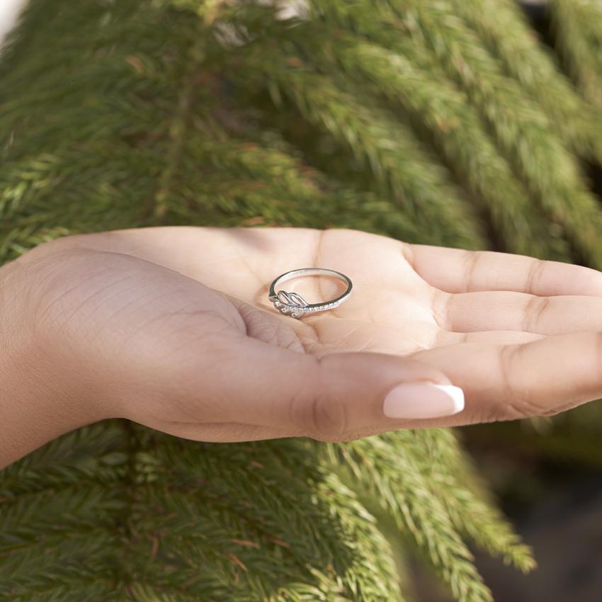 Diamond Rings 14 Karat White Gold Quill Diamond Ring