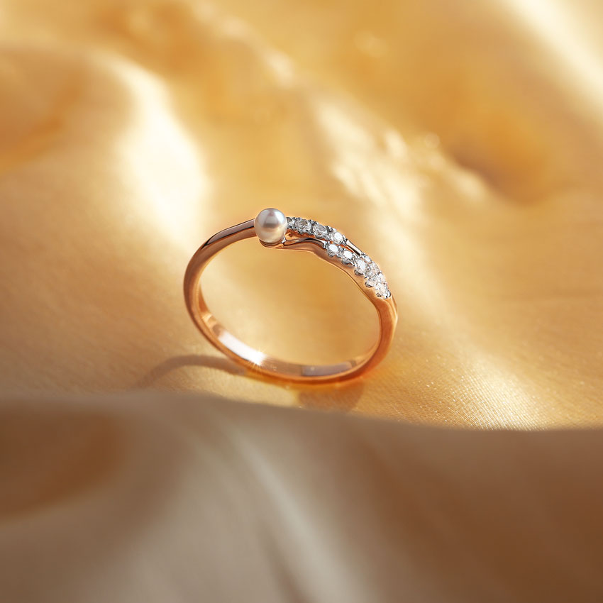 Trickle Pearl Ring