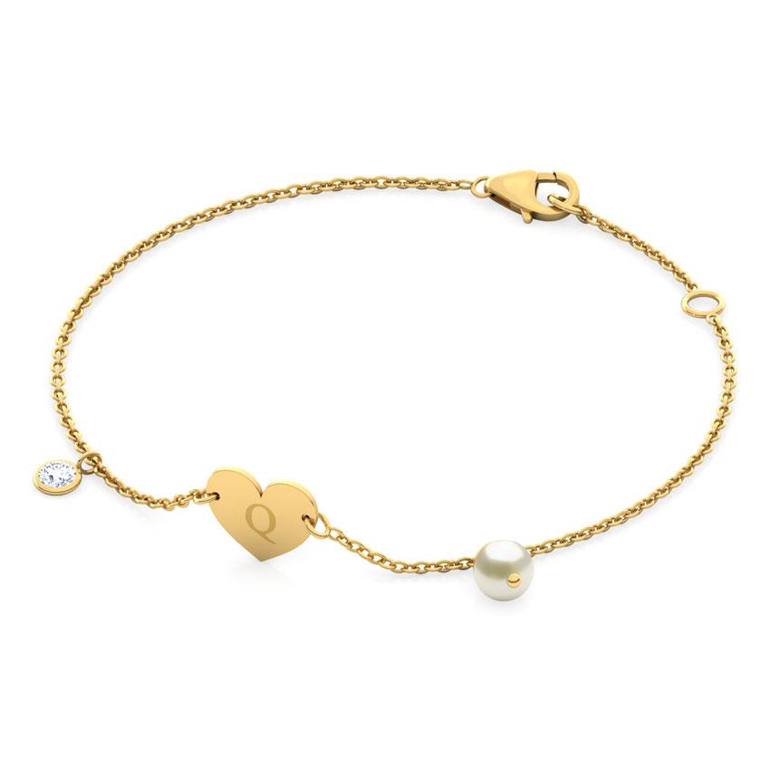 Alphabet Q Pearl Bracelet