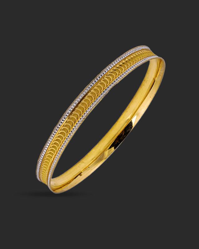 Gold Bangles 22 Karat Yellow Gold Notch Texture Gold Bangle Set of 2