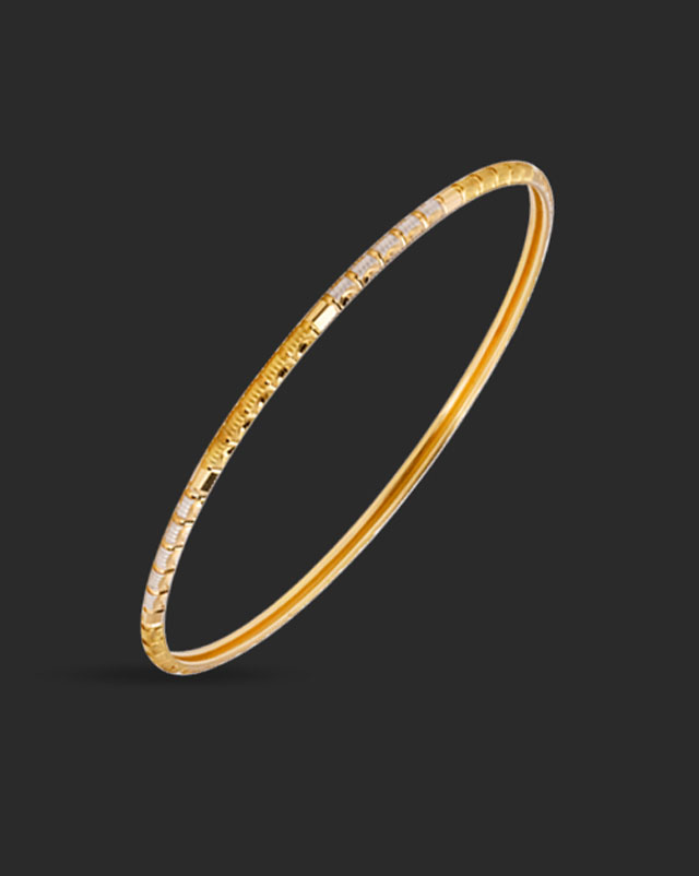 Gold Bangles 22 Karat Yellow Gold Two Tone Grooved Gold Bangle Set of 2
