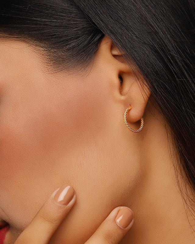 Esha 22Kt Gold Hoop Earrings