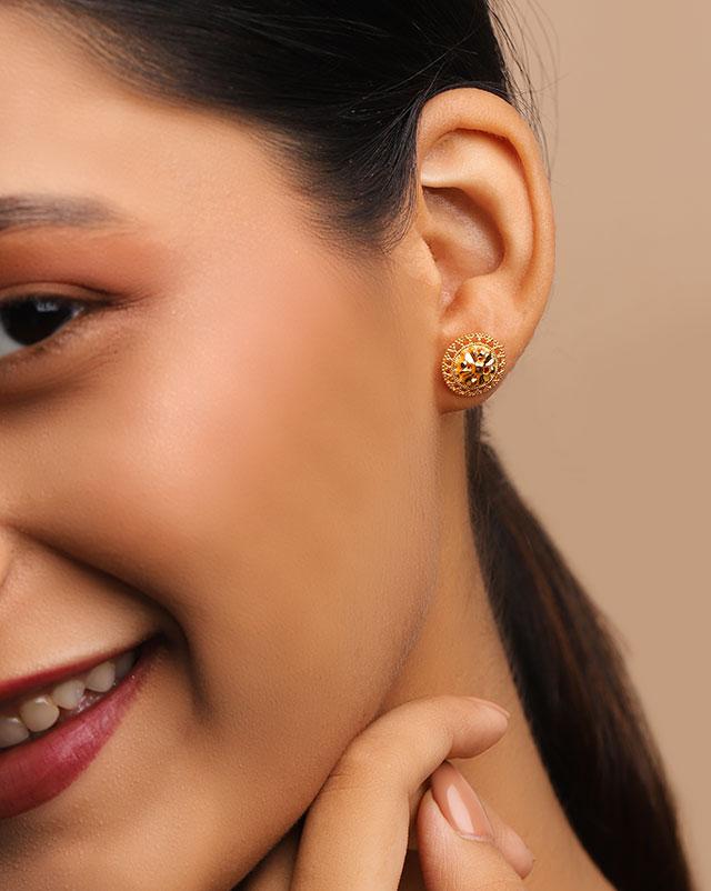 Kirti 22Kt Gold Stud Earrings