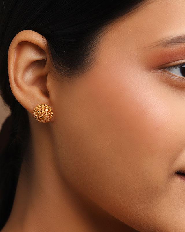 Dhriti 22Kt Gold Stud Earrings