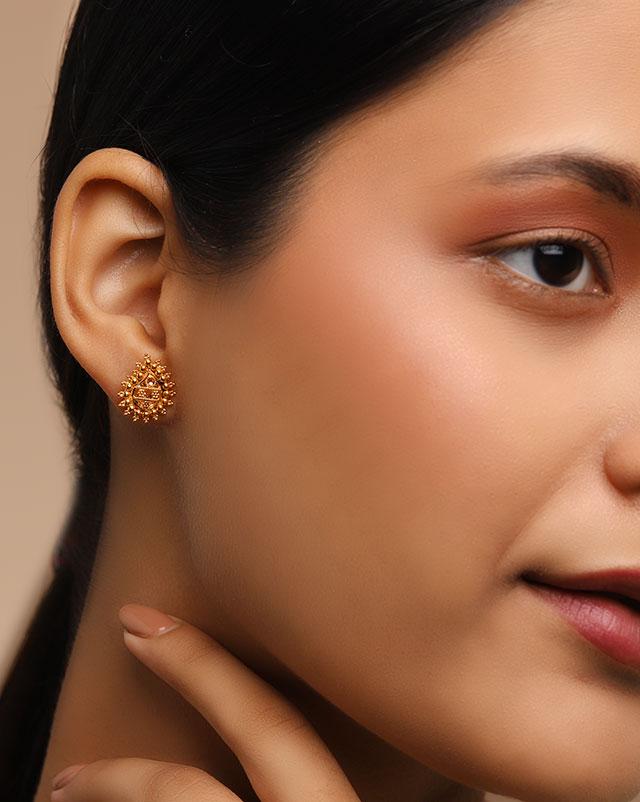 Prita 22Kt Gold Stud Earrings