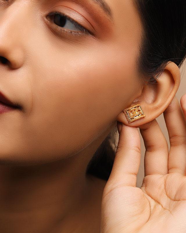 Gold Earrings 22 Karat Yellow Gold Varsha 22Kt Gold Stud Earrings