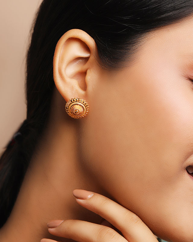 Pihu 22Kt Gold Stud Earrings