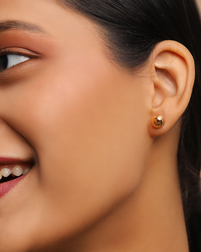 Gold Earrings 22 Karat Yellow Gold Suniti 22Kt Gold Stud Earrings
