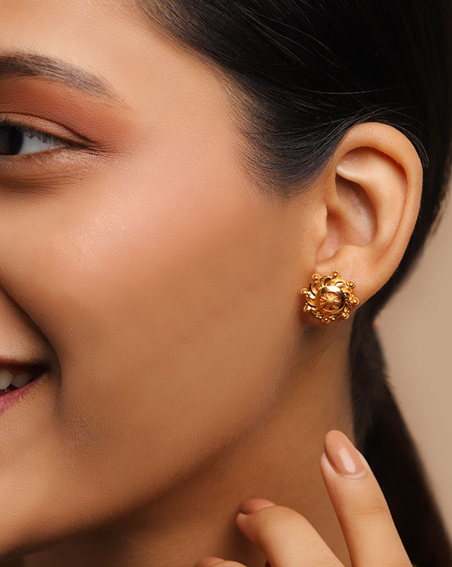 Gold Earrings 22 Karat Yellow Gold Zora 22Kt Gold Stud Earrings
