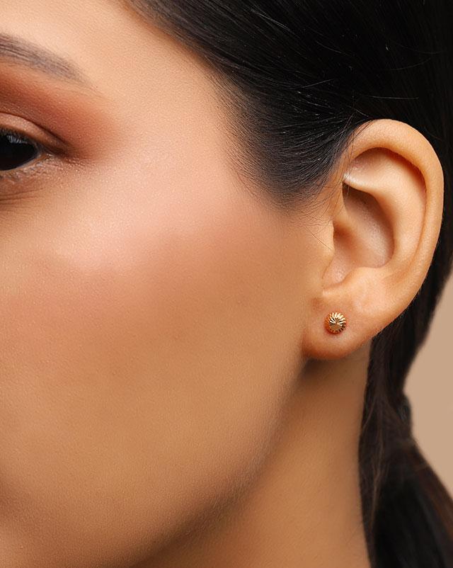 Kashvi 22Kt Gold Stud Earrings