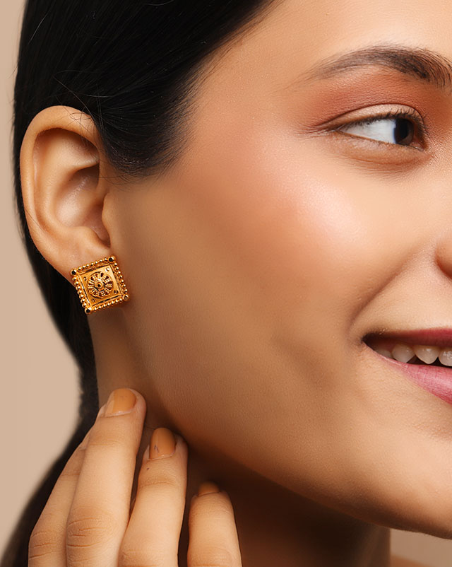 Gold Earrings 22 Karat Yellow Gold Yesha 22Kt Gold Stud Earrings