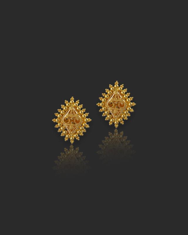 Geet 22Kt Gold Stud Earrings
