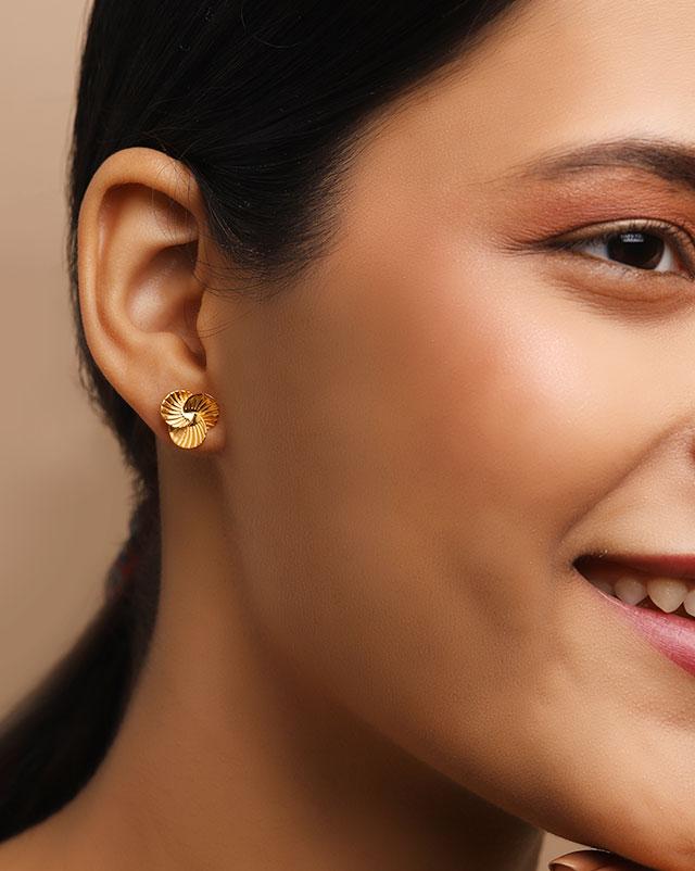 Mishti 22Kt Gold Stud Earrings