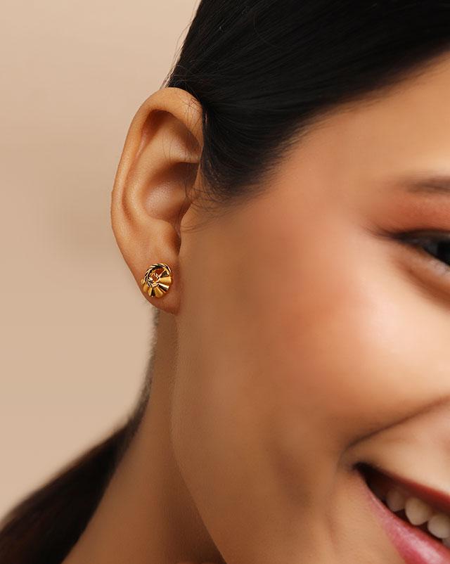 Daani 22Kt Gold Stud Earrings