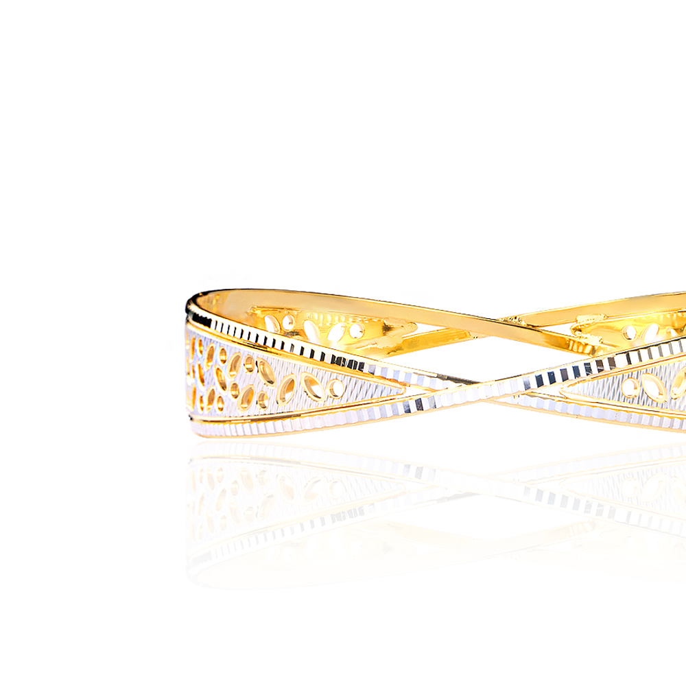 Bella Gold Bangle