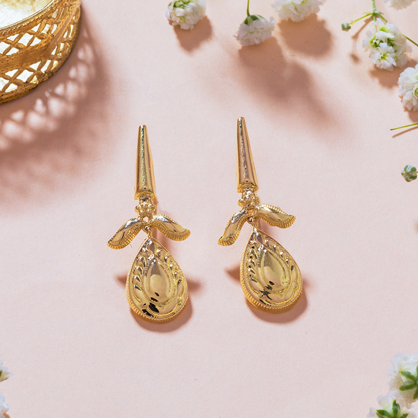 Gold Earrings 18 Karat Yellow Gold Nishika Gold Drop Earrings