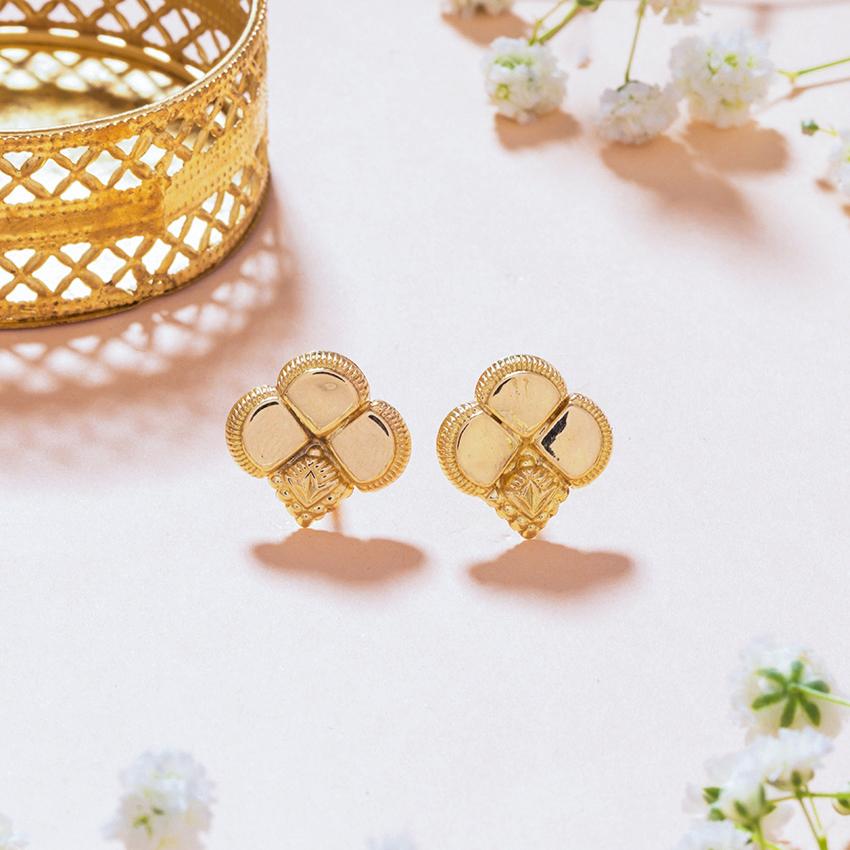 Gold Earrings 18 Karat Yellow Gold Mayuri Gold Stud Earrings