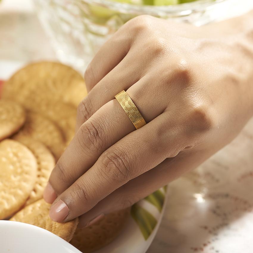 Gold Rings 18 Karat Yellow Gold Romeo Gold Band for Men