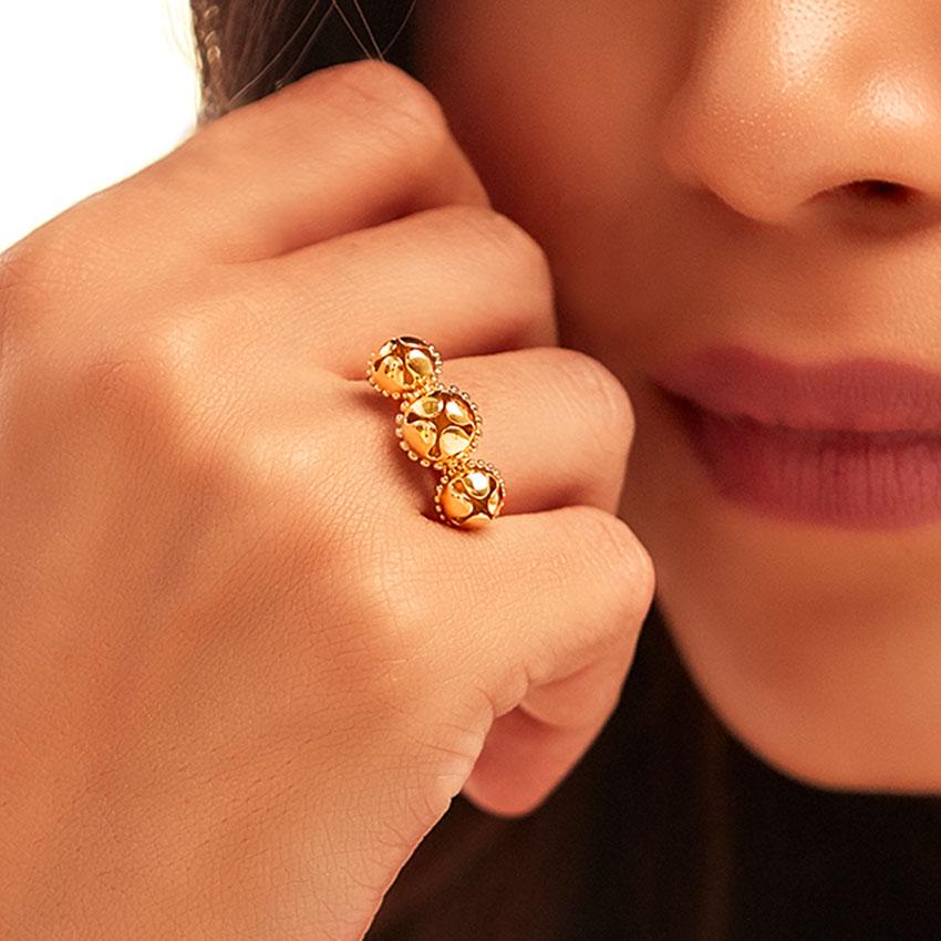 Medha Gold Ring
