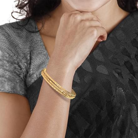 Deco Texture Gold Bangle
