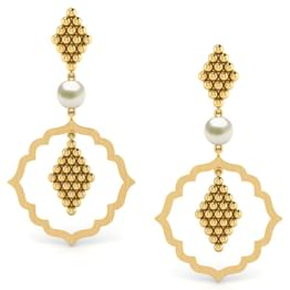 Framed Jharokha Chandelier Earrings